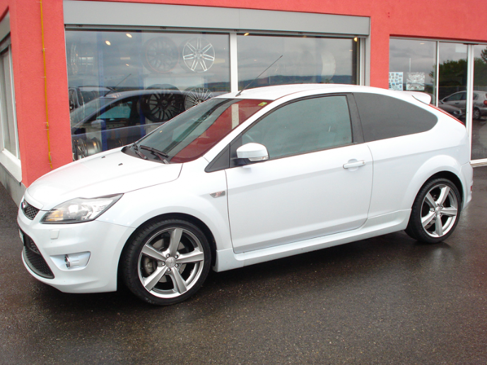 Ford Focus ST 200